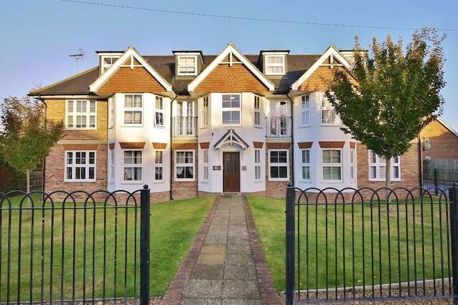 Modern flat with parking. A first floor, purpose-built flat set within 0.3 mile walking distance of the town centre and main line station and with the benefit of allocated parking. Well presented throughout, with hallway leading to a sitting/dining room with double doors and Juliet balcony, ...