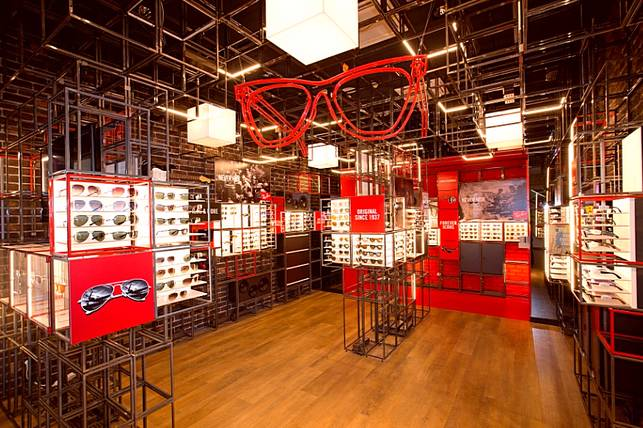 Sunglasses Shop. From the entire Ray-Ban sunglasses collection to the full Oakley catalogue Sunglasses Shop will not be beaten on price or service.